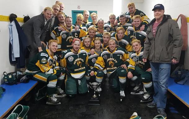 У Канаді розбився автобус з хокейною командою, 14 жертв