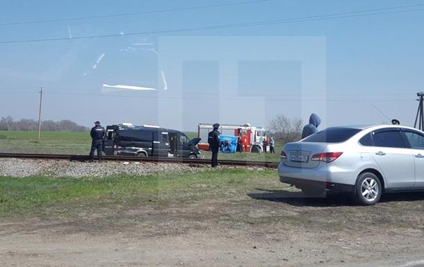 В Крыму столкнулись электричка и микроавтобус: пять жертв