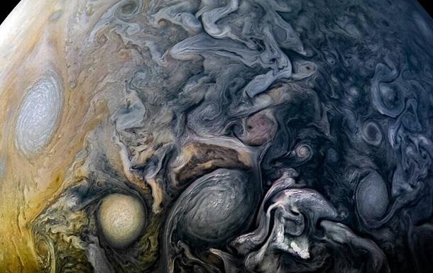 NASA опубликовало видео «экскурсии» поЛуне