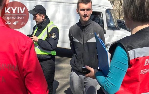В Киеве водитель устроил гонки и напал на полицейского