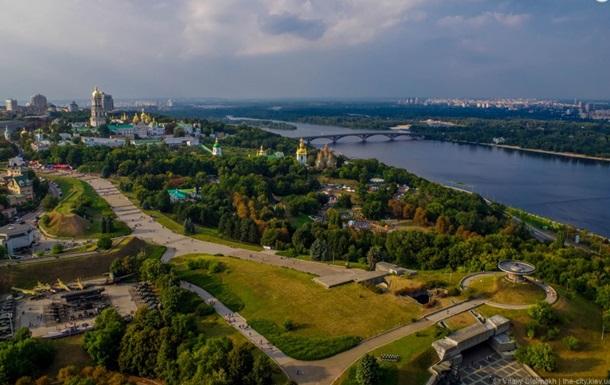 В Киеве открыли смотровую площадку на щите памятника Родина-мать