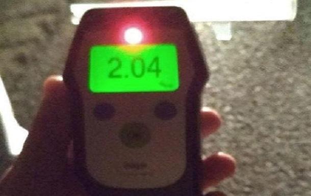 У Запоріжжі затримали п яного водія, який відзначав повернення прав