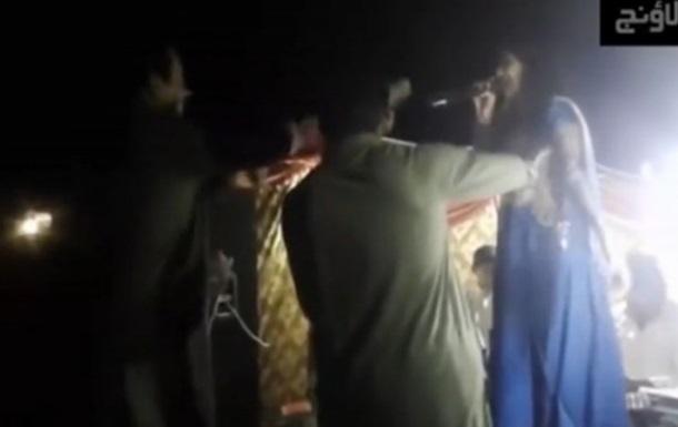 У Пакистані застрелили вагітну співачку