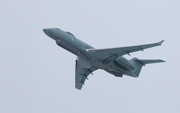 Великобританія спрямувала до Сирії літак управління завданням ударів