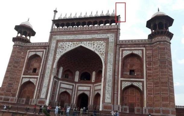 В Індії вітер пошкодив мінарети на Тадж-Махалі