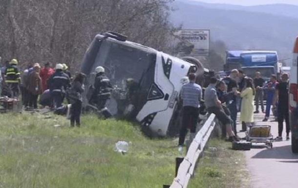 В Болгарии перевернулся автобус: десять погибших
