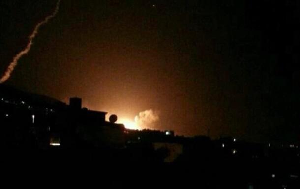 Удар по Сирії: з явилися фото і відео