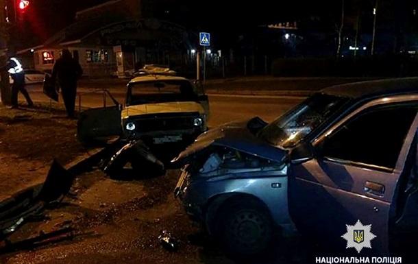 В Харькове столкнулись два авто: семь пострадавших