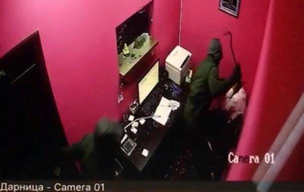 В Киеве суд арестовал 12 человек, громивших игорные заведения