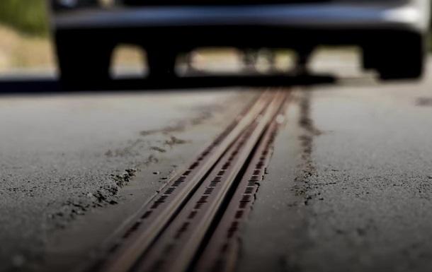 В Швеции открыли дорогу, которая заряжает электромобили на ходу