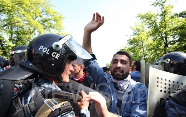Протести у Вірменії: затримано 30 осіб