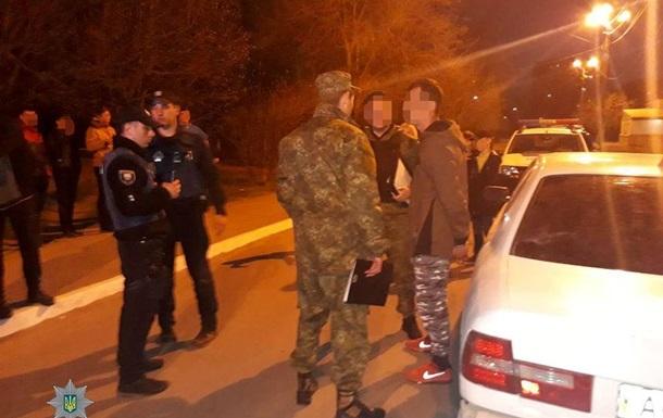 В Мариуполе прохожего обстреляли из проезжавшей машины