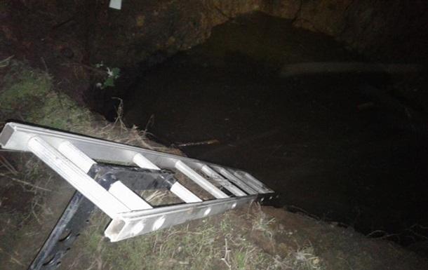 В Донецкой области ребенок утонул в яме с водой