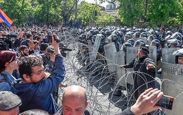 Протесты в Армении: люди вышли против узурпации власти
