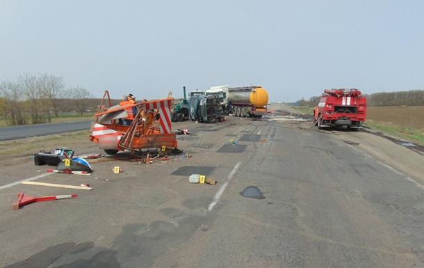 Стали известны подробности ДТП с дорожниками в Черкасской области