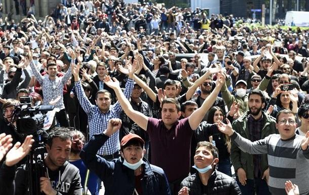 У протестах проти Саргсяна в Єревані взяли участь десятки тисяч людей