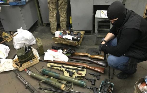 В Киеве обезвредили ОПГ, изготовляющую оружие