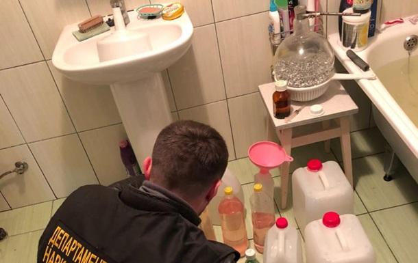 У Києві виявили нарколабораторію з мільйонним оборотом