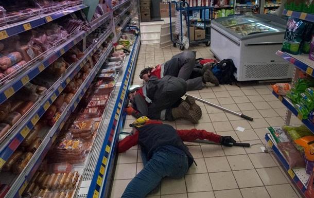 У м ясному відділі супермаркету Києва ловили кота