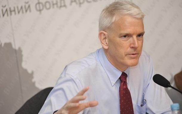 Экс-посол США: Порошенко спешит с НАТО