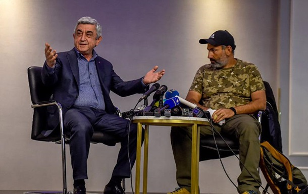 Прем єр Вірменії пішов із зустрічі з лідером протесту