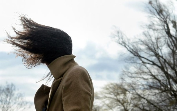 Украинцев предупредили о ветре и заморозках