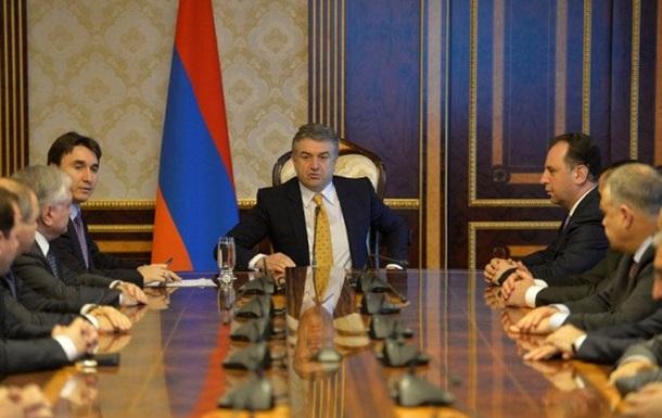Відставка Саргсяна: кабмін Вірменії провів екстрене засідання