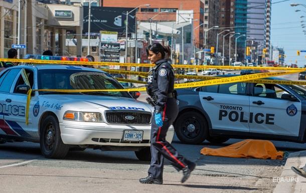 Жертвами наїзду в Торонто стали дев ять осіб