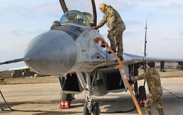 Минобороны повысило зарплаты украинским летчикам