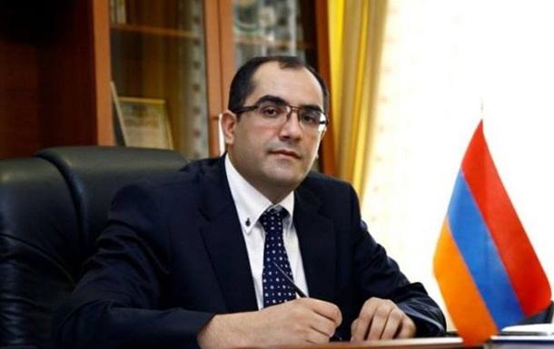 ВАрмении министр подал вотставку иприсоединился кпротестам