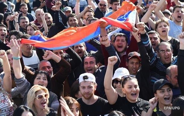 Протесты в Армении: оппозиция требует  капитуляции  правящей партии