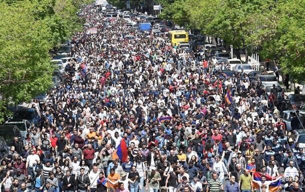 Віце-прем єр і глава МЗС Вірменії поїхали в РФ обговорювати кризу - ЗМІ