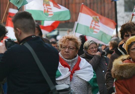 Языковой вопрос: Венгрия против Украины