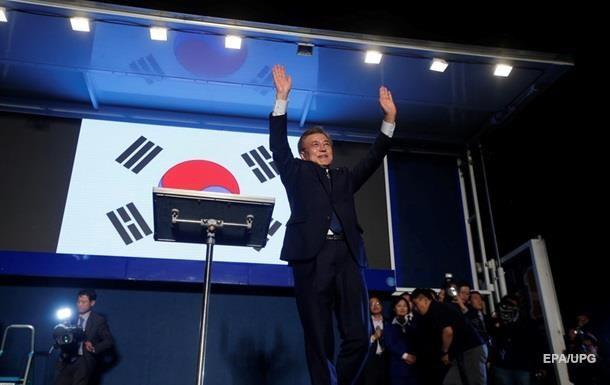 Лидер Южной Кореи прибыл на встречу с Ким Чен Ыном
