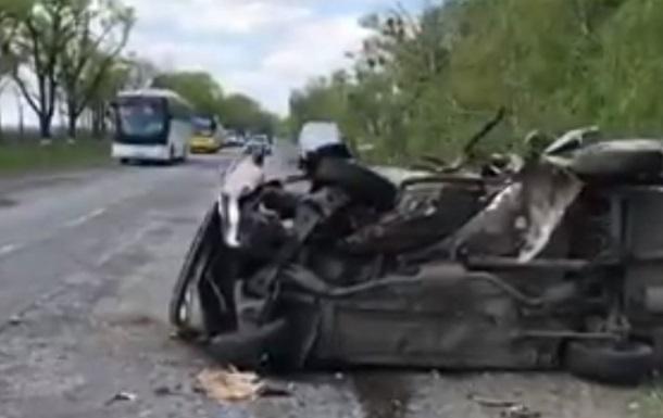 Под Черкассами столкнулись два авто, есть погибшие