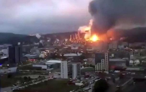 При пожаре на фабрике Тайваня погибли семь человек