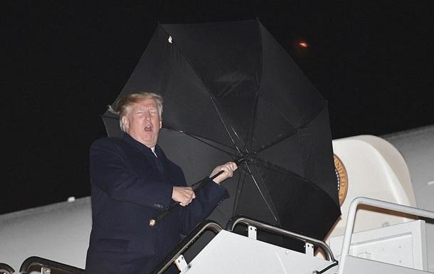 Трамп проиграл  битву  с зонтом