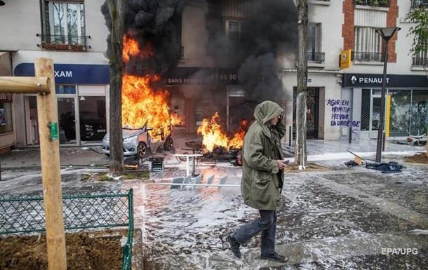 В Париже первомайский митинг перерос в массовые беспорядки