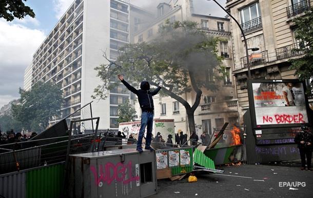 Первомай встолице франции непохож нарижский: беспорядки, погромы, слезоточивый газ