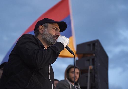 Бархатная революция в Армении: у власти есть три пути