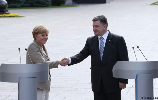 Порошенко зустрінеться з Меркель та Макроном 10 травня - ЗМІ