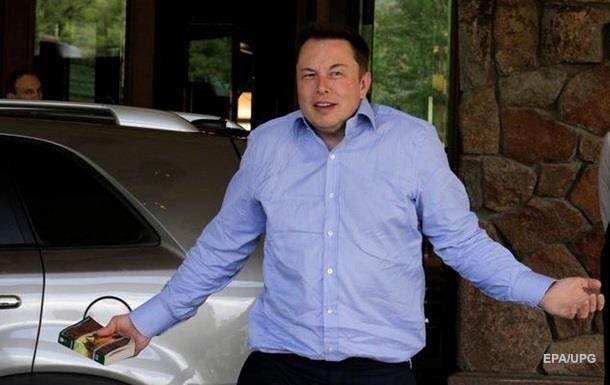 Маск назвав  нудними  питання про збитки Tesla