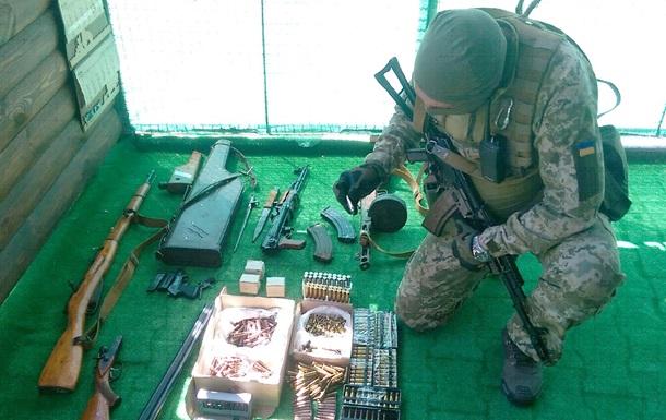 У жителя Одессы изъяли арсенал оружия