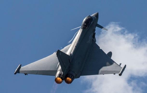 Британські винищувачі перехопили літак РФ над Чорним морем