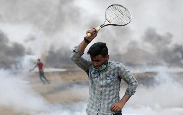 Під час сутичок у Секторі Гази постраждали сотні палестинців