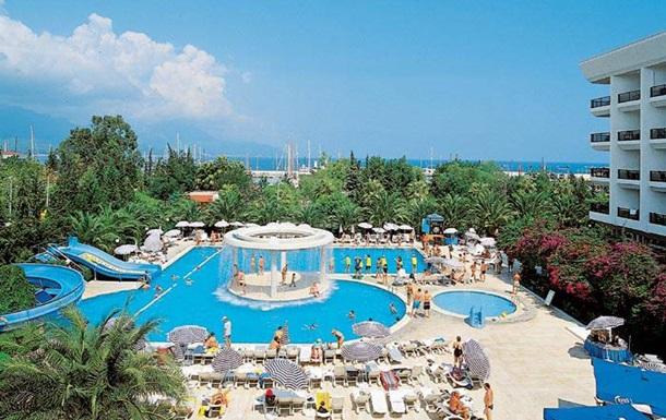 На турецком курорте утонул в бассейне россиянин