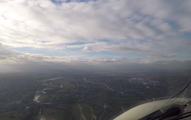 Політ через Атлантичний океан зняли на відео