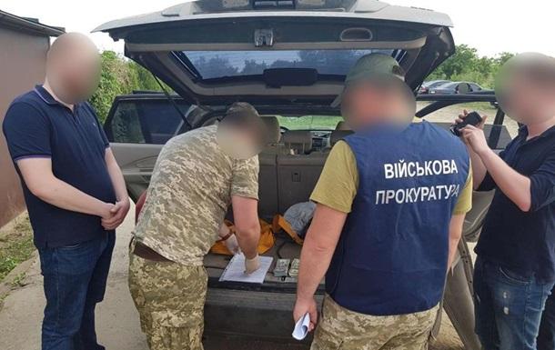 В Черновицкой области посредник умер при получении взятки