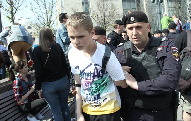 Путин им не царь. Задержана тысяча протестующих