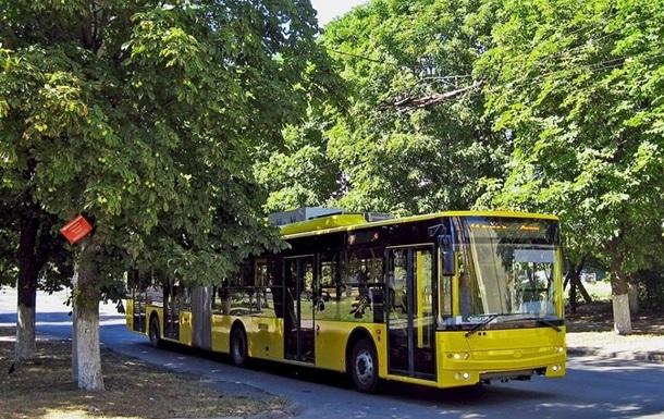 Три киевских троллейбуса в ночь на 7 мая изменят маршрут